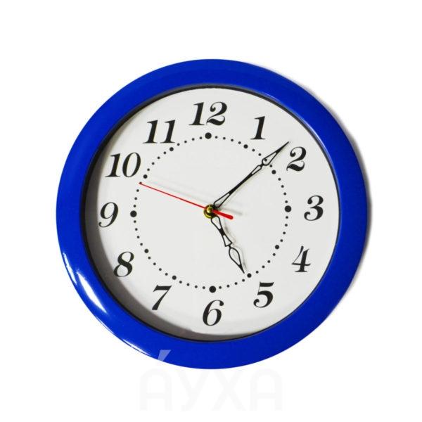 Моя фотография/изображение/картинка внутри часов. Циферблат с моей фотографией и разноцветной рамкой у часов.